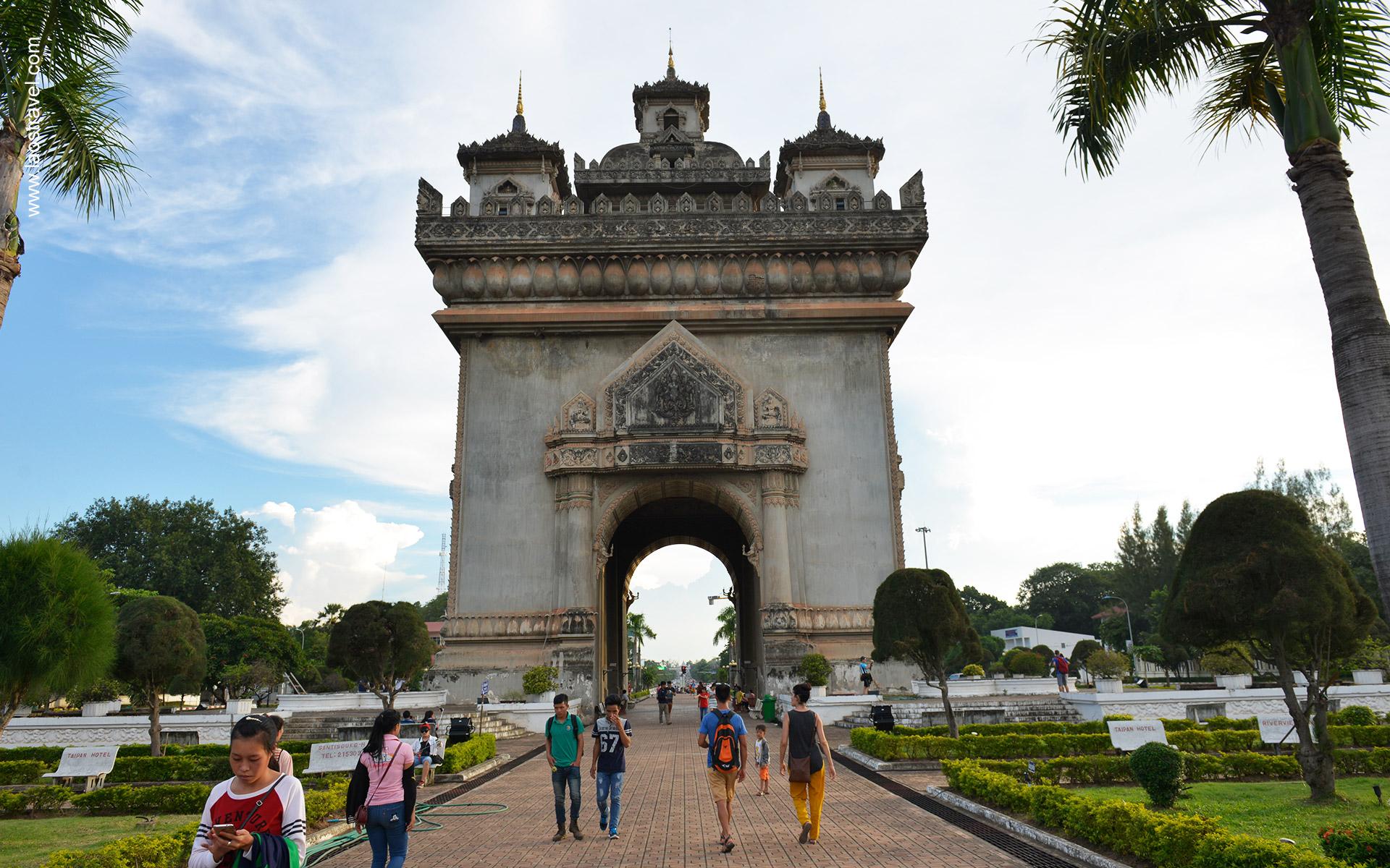 laos vientiane patuxay