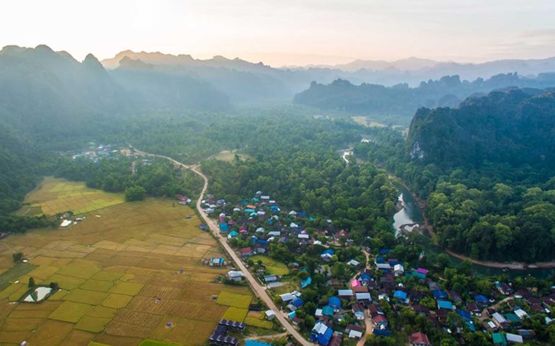 LAOS Laotravel 20 Laos Travel