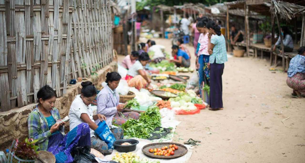 bagan Morning market in myanmar Laos Travel