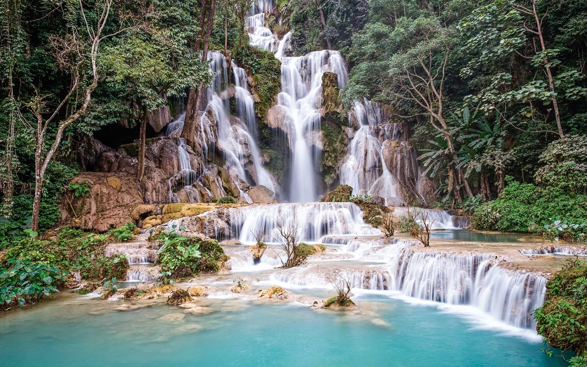 best time visit Kuang Si Waterfalls