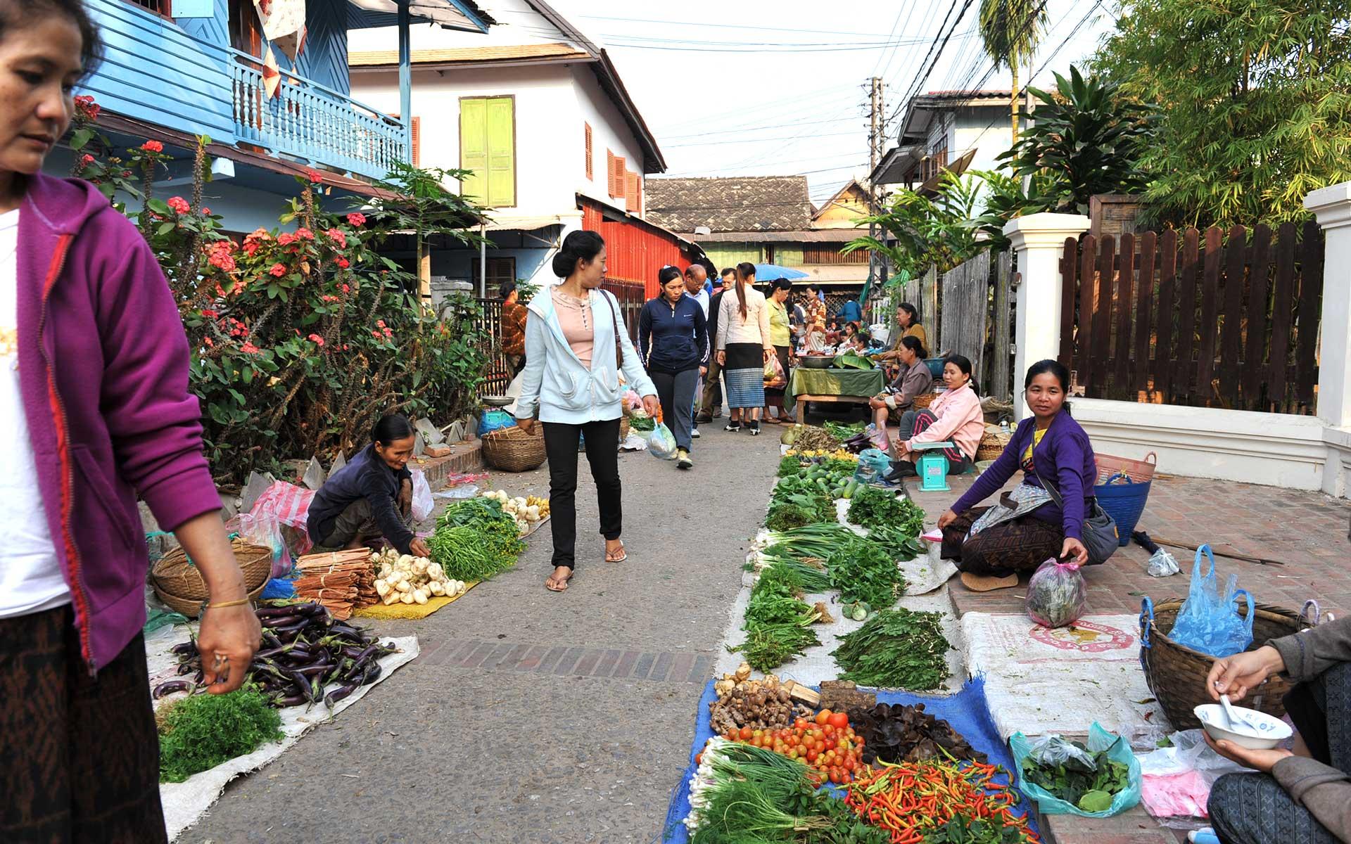 Morning Market luang prabang laos