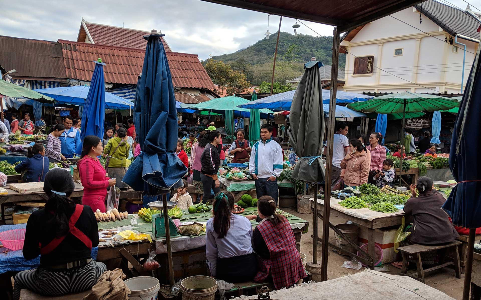 Naviengkham Market luang prabang laos