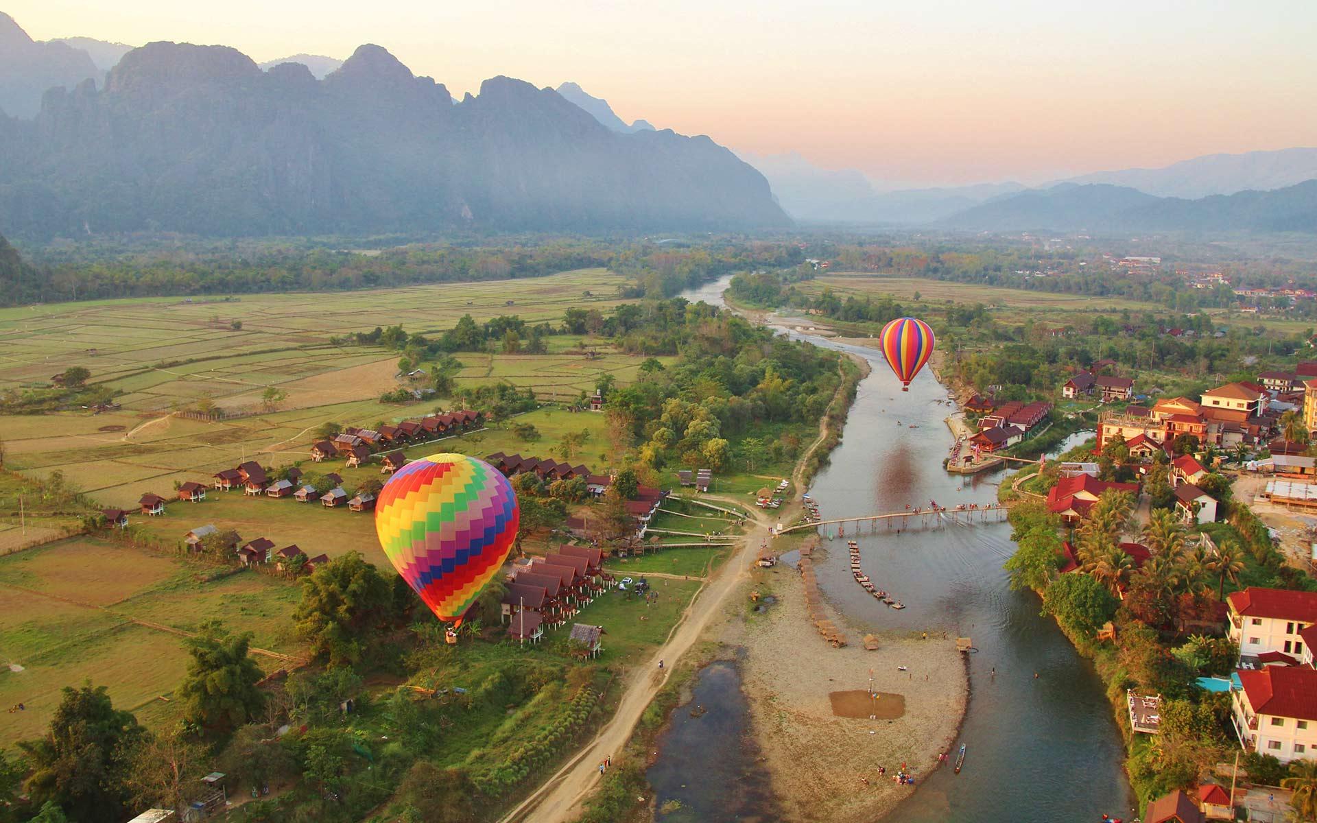 Balloon Over VangVieng