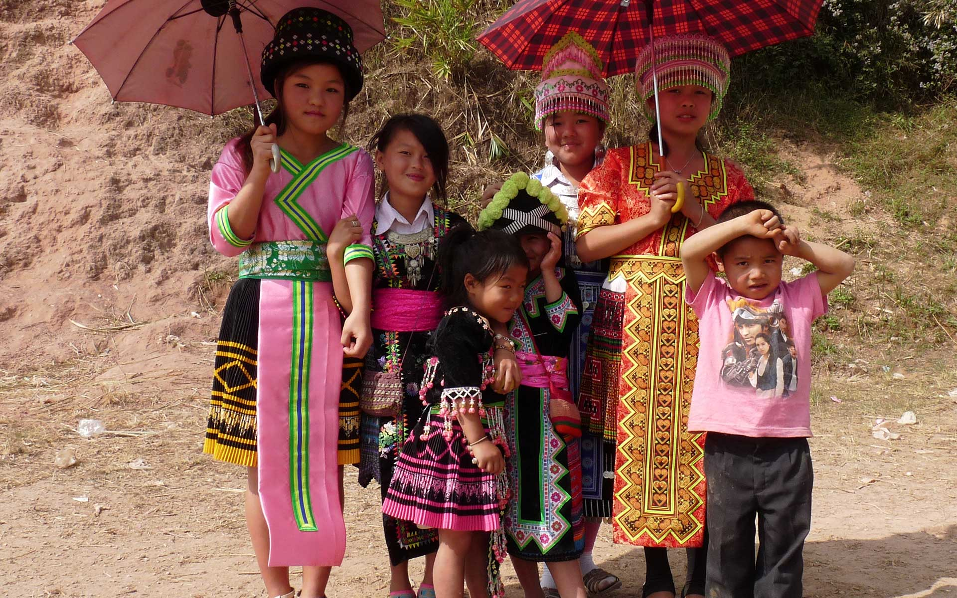 Hmong people laos