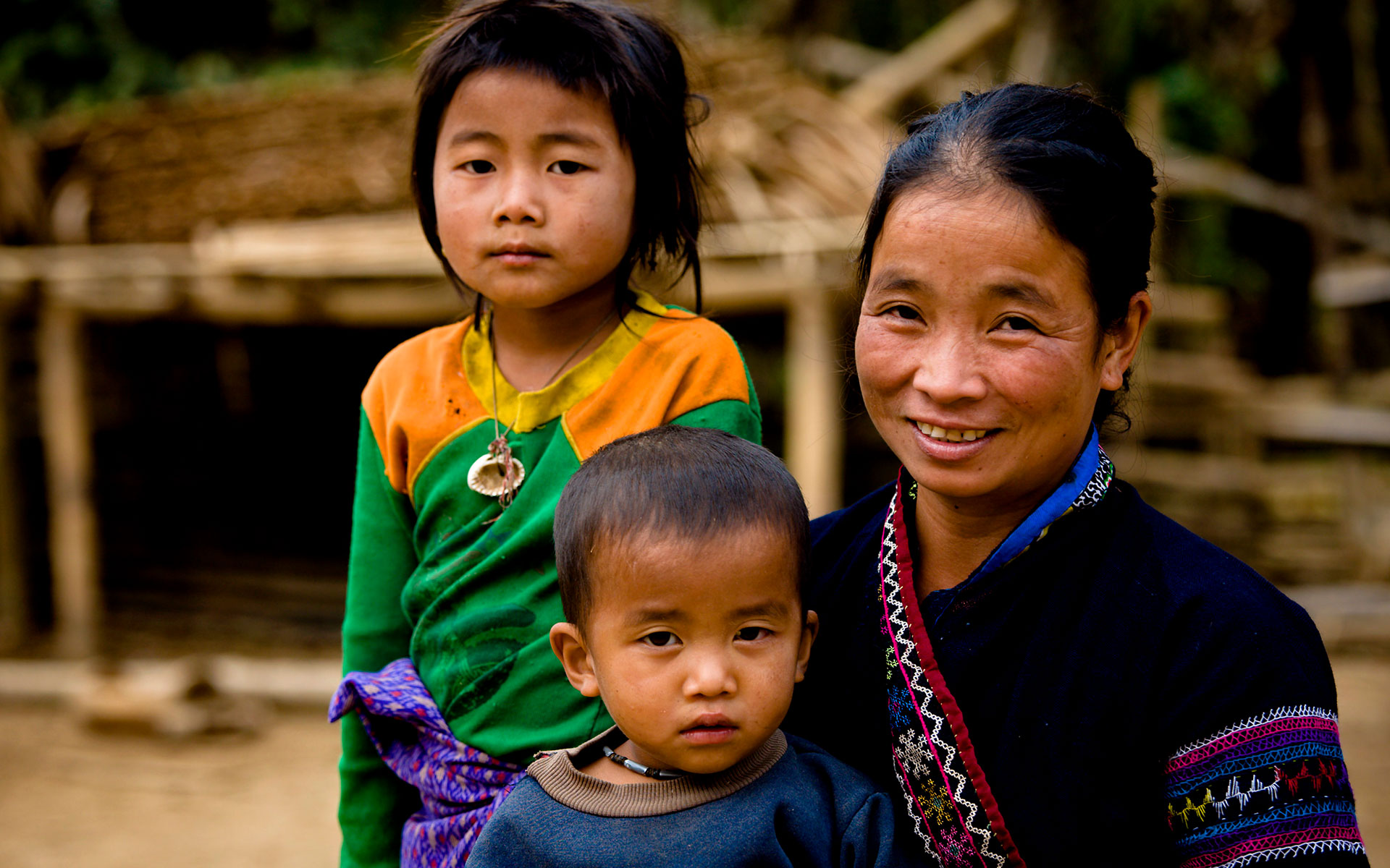 Khmu Mother with Children, Luang Namtha, Laos